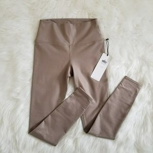 BNWT Alo leggings